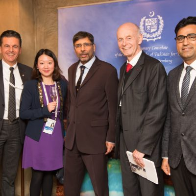 Economy Talks, February 2017: (from right) Murad Mehmood, Press Attache, Honorary Consulate of Pakistan for Bavaria and Baden-Wuerttemberg, Prof. Dr. Detlev Ganten, President, World Health Summit, H.E. Jauhar Saleem, Ambassador of Pakistan to Germany, Mrs Yuan Xue, Editor, Caijing Magazine and Dr. Poetis, Honorary Consul of Pakistan for Bavaria and Baden-Wuerttemberg