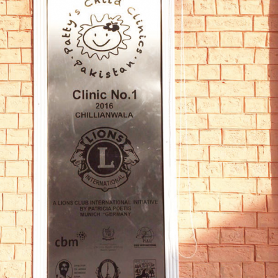 Celebration of the first Patty´s Child Clinic, January 2016: Door sign of the Patty´s Child Clinic with sponsor logos