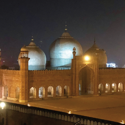 Bavarian Business Delegation to Pakistan, April 2019: The Badshahi Mosque. The sixth Mughal emperor, Aurangzeb, chose Lahore as the site for his new imperial mosque which can host up to 100.000 people.