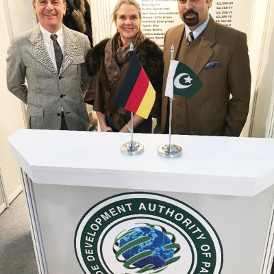 ISPO: Consul Dr. Poetis and Mrs Poetis with Mr. Mushtaq, Commercial Counsellor, Embassy of Pakistan in Berlin