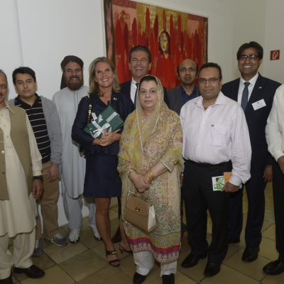 Lange Nacht der Konsulate 2015: Consul Dr. Poetis and Mrs. Poetis with respected Pakistani guests at the event
