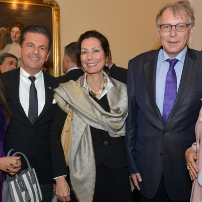 Sindh Delegation in Bavaria, April 2016:  Naheed Memon, Chairperson Sindh Board of Investment, Consul Dr. Poetis, CEO POWERGROUP, Dr. Kamelia Detig-Karlou, Head of E-Mobility & Communications E-Motors of BMW Group, Ulrich Konstantin Rieger, Senior Ministerial Counsellor, Bavarian Ministry of Economic Aff airs and Media, Energy and Technology and designer Patricia Poetis, CCO POWERGROUP.