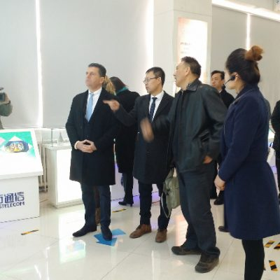 China: Consul Dr. Poetis being welcomed by Yonglu Zhang, Director and CEO, Sifang Telecom in Gaocheng Industry Park