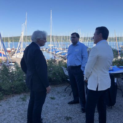 H.R.H. Prince Luitpold of Bavaria in discussions with H.E. Ambassador Dr. Mohammad Faisal and Honorary Consul Dr. Pantelis Christian Poetis at the Summer Fest of the Export Club Bayern at Münchner Yacht Club ©HonorarkonsulatPakistanMUC