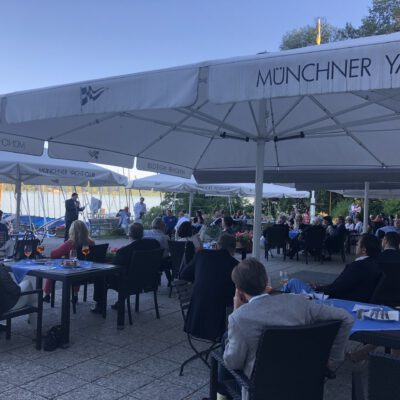H.E. Ambassador Dr. Mohammad Faisal addressing the guests of the Export Club Bayern during his Keynote Speech at Münchner Yacht Club ©HonorarkonsulatPakistanMUC